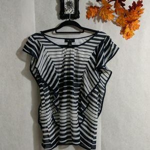BCX flutter sleeve blouse Sz L